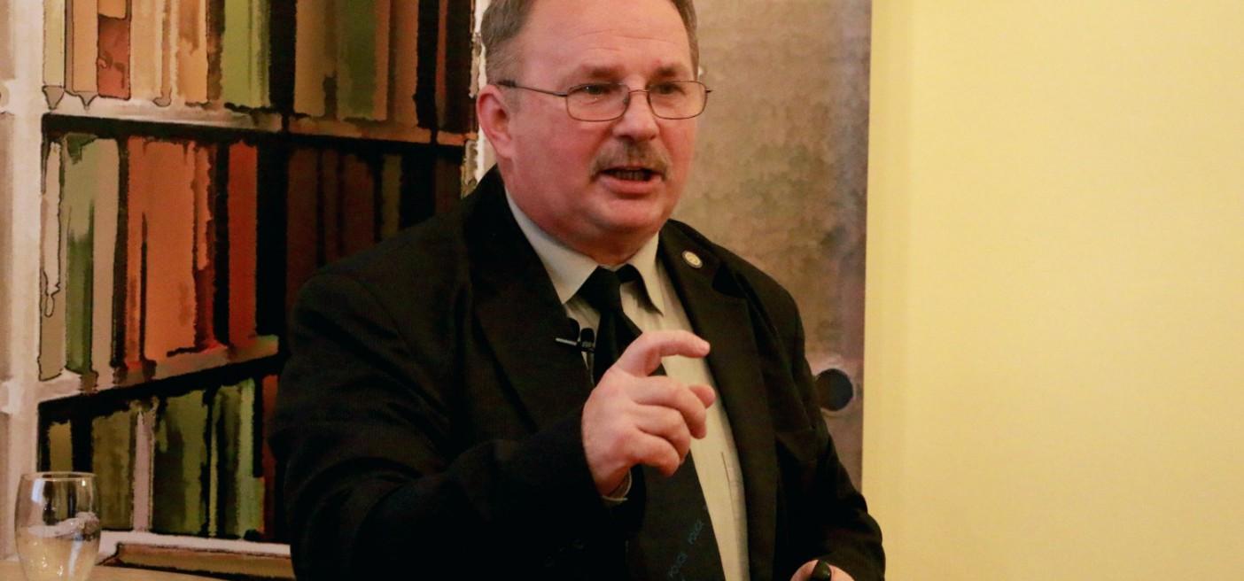 Sallai János előadása a Történelmi KávéháZban