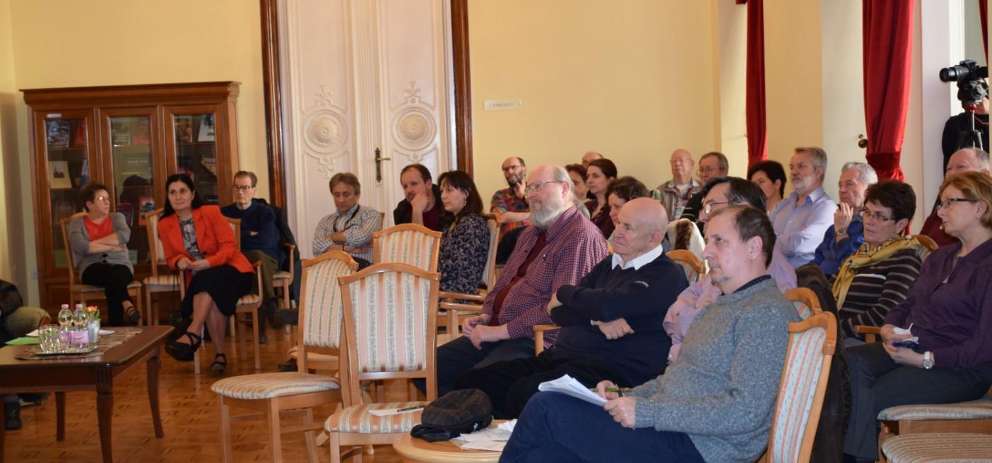 Cserényi-Zsitnyányi Ildikó előadása a Történelmi KávéháZban